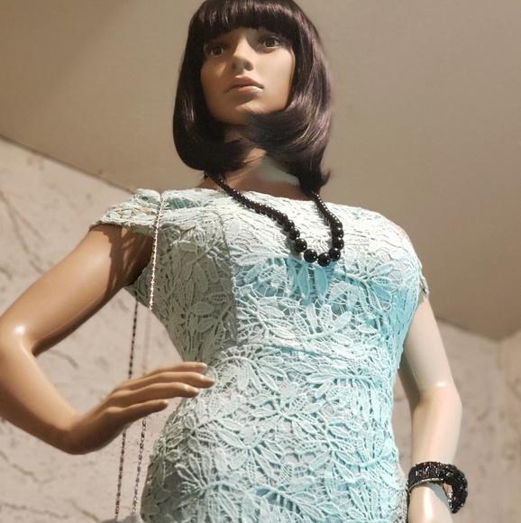 "NWOT Lulu""s Dress, necklace, bangle & flower"